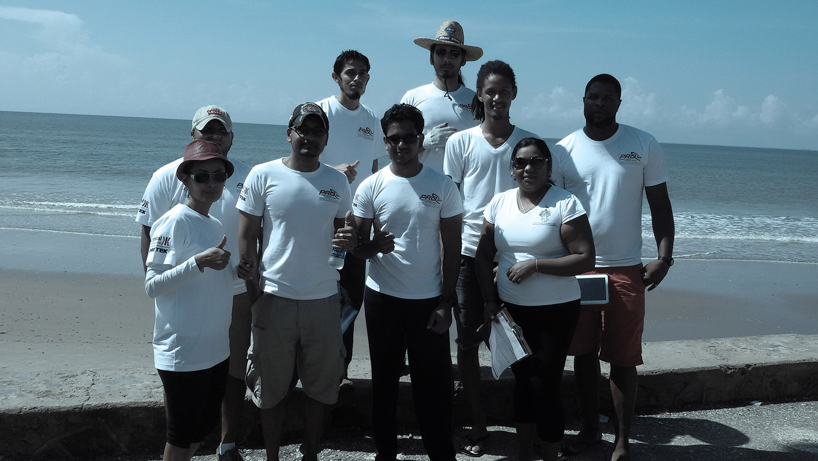 ProCom Participates in ICC Beach Clean Up